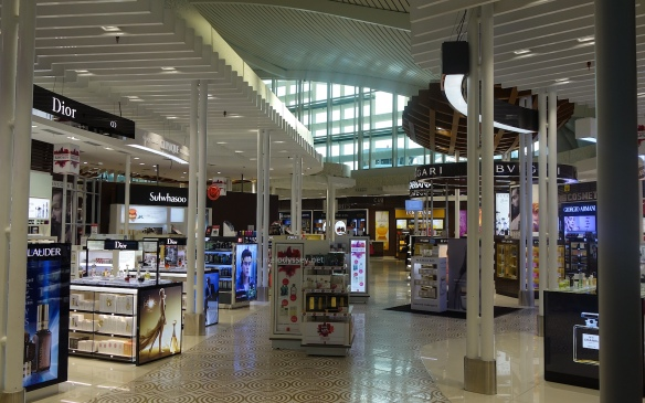 bali-denpassar-airport-beauty-duty-free-counters